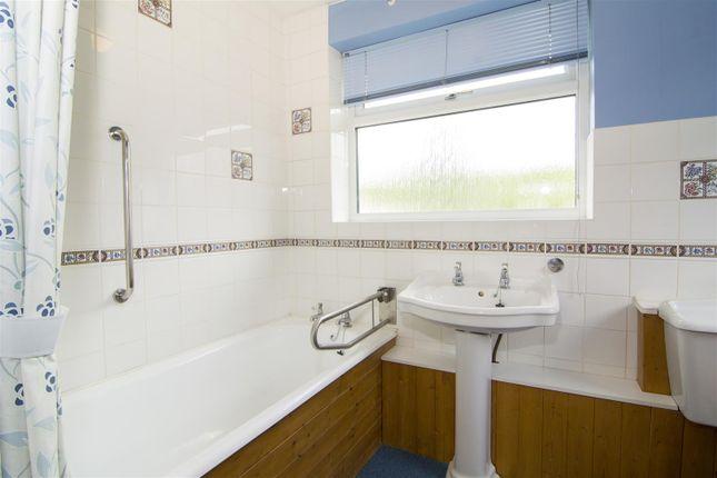 Bathroom of Redmoor Close, Market Bosworth, Nuneaton CV13