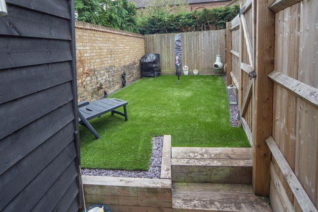 Garden of Hardinge Place, Toddington, Dunstable LU5