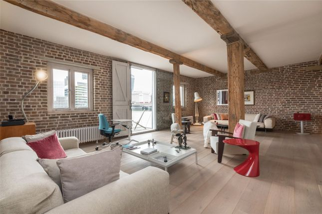 Thumbnail Flat to rent in Little Winchester Wharf, 5 Clink Street, London