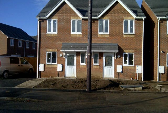 Thumbnail Semi-detached house to rent in Mill Street, Walsall, West Midlands
