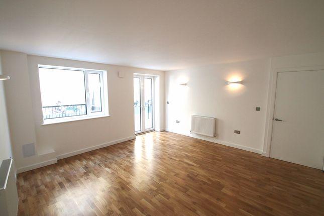 Thumbnail Maisonette to rent in Grimsby Street, London
