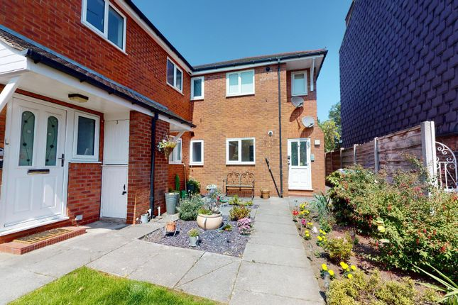 1 bed flat for sale in Ashfield Road, Urmston, Manchester M41