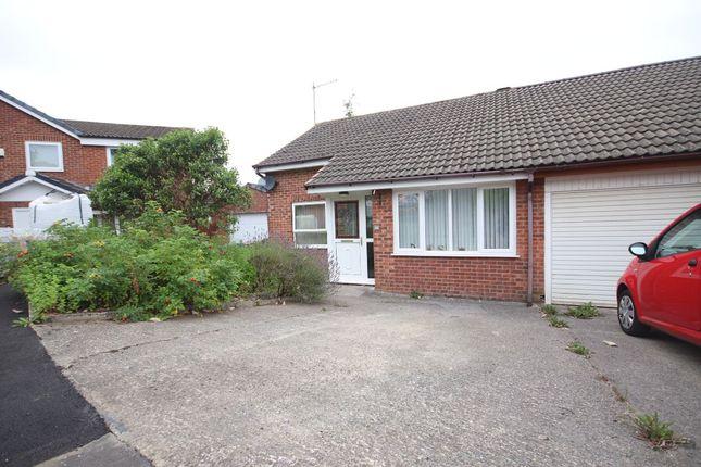 Thumbnail Bungalow to rent in Hawkshaw Bank Road, Blackburn