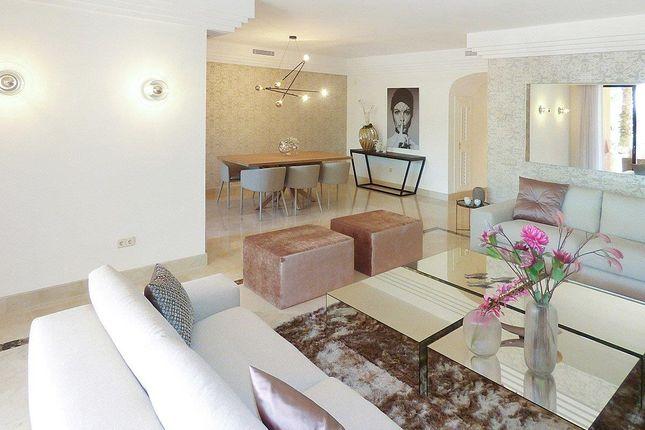 3 bed villa for sale in Urb. La Alzambra 24, Nueva Andalucia, Costa Del Sol, Andalusia, Spain