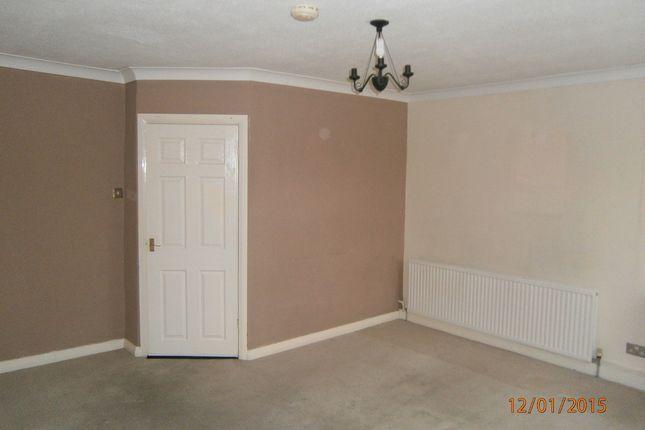 Thumbnail Flat to rent in Edlington Lane, Edlington, Doncaster
