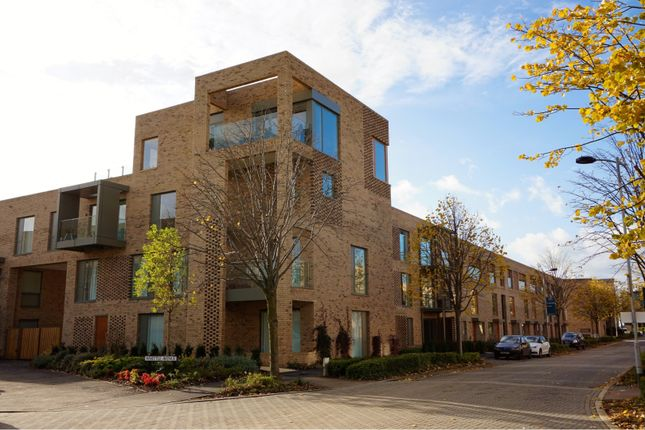 Thumbnail Flat for sale in Whittle Avenue, Cambridge