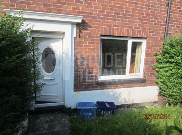 Thumbnail Terraced house to rent in Ffordd Y Ffynnon, Bangor