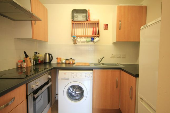 Kitchen of Maltings Place, Reading RG1