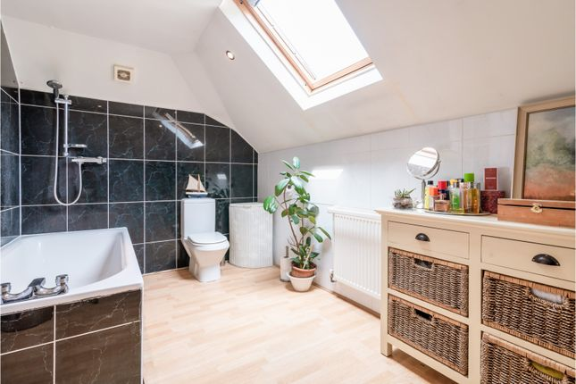 En-Suite of Shirley Drive, Hove BN3