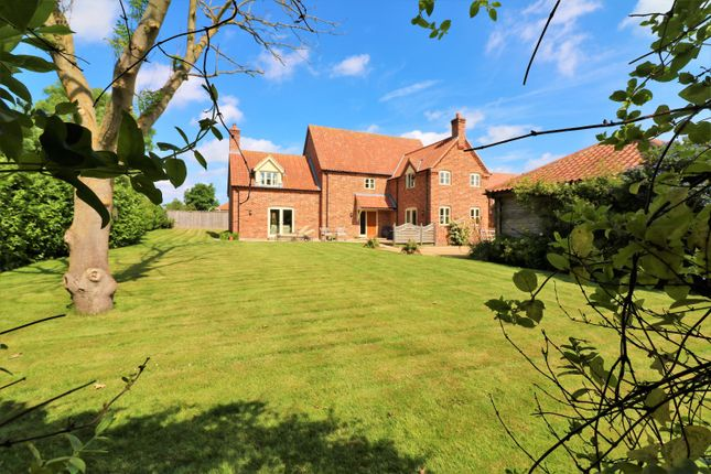 Thumbnail Detached house for sale in Highfield Meadow, Dereham