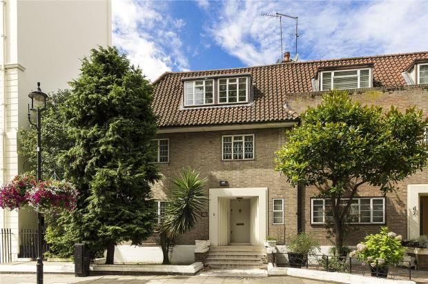 Thumbnail End terrace house for sale in Hyde Park Street, London