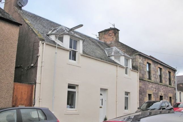 Thumbnail Flat to rent in Castle Street, Cupar, Fife
