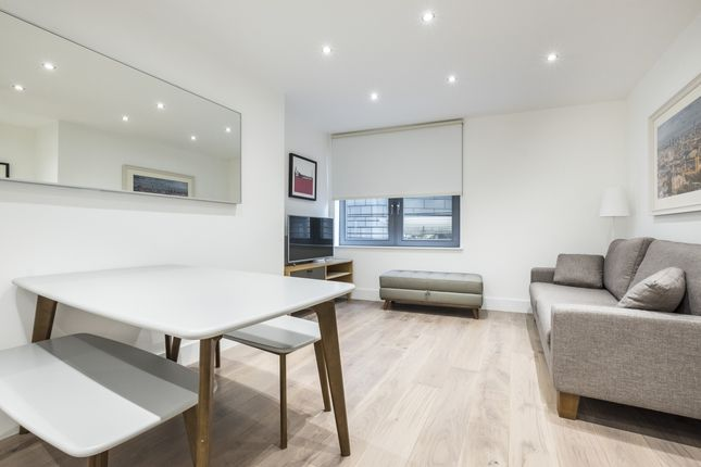 2 bed flat to rent in Pepys Street, London