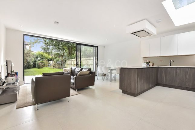 3 bed flat for sale in Canfield Gardens, South Hampstead, London
