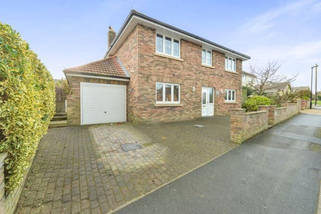 Thumbnail Detached house for sale in Manor Road, Sandown