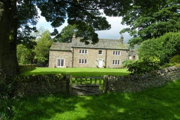 Thumbnail Property to rent in The Wash, Chapel-En-Le-Frith, High Peak