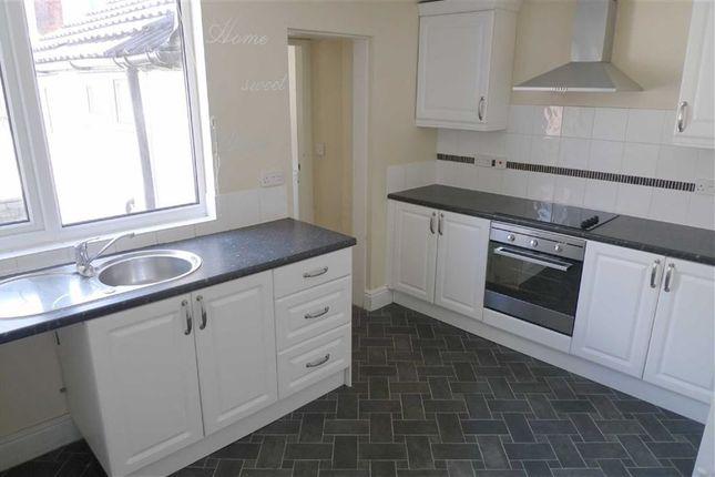 Thumbnail Semi-detached house to rent in Nottingham Road, Ilkeston, Derbyshire