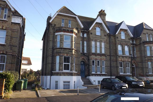 1 bed flat to rent in Manor Road, Folkestone