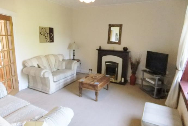 Thumbnail Flat to rent in Colinton Mains Road, Edinburgh