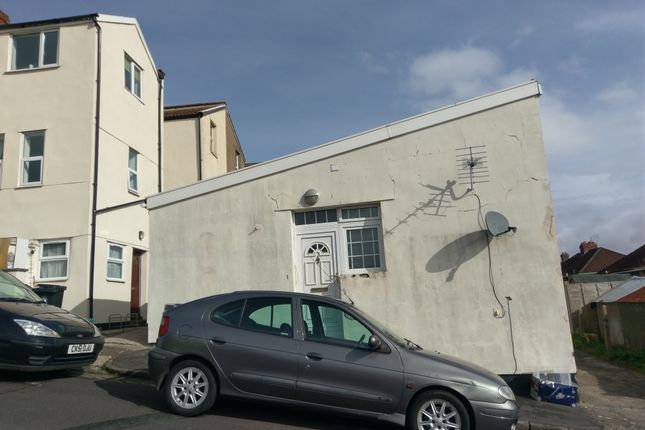 1 bed bungalow to rent in Tozers Hill, Bristol