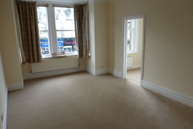 2 bed flat to rent in 135 Valley Drive, Harrogate