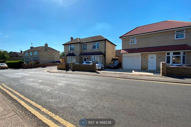 2 bed flat to rent in Priory Road, Huntingdon PE29