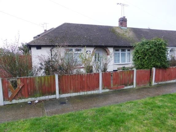 Thumbnail Bungalow for sale in Ivy Walk, Canvey Island