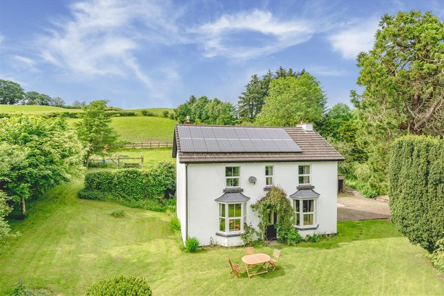 Thumbnail Detached house for sale in Woodlands, Llanbadarn Fynydd, Llandrindod Wells