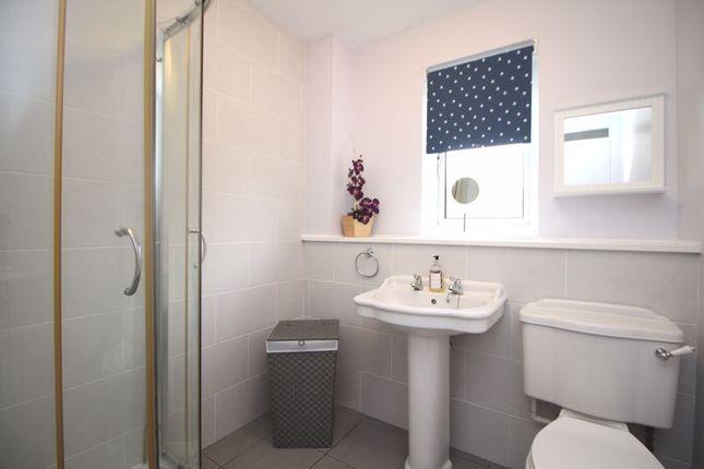 Shower Room of Loom Road, Kirkcaldy KY2