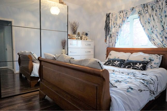 Master Bedroom of Palewell Close, Orpington BR5