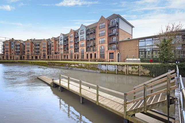 Thumbnail Flat for sale in Medway Wharf Road, Tonbridge