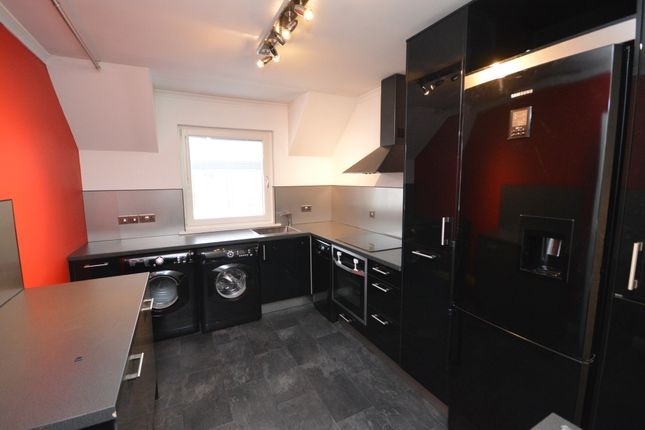 Thumbnail Flat to rent in Tomnahurich Street, Inverness, Inverness
