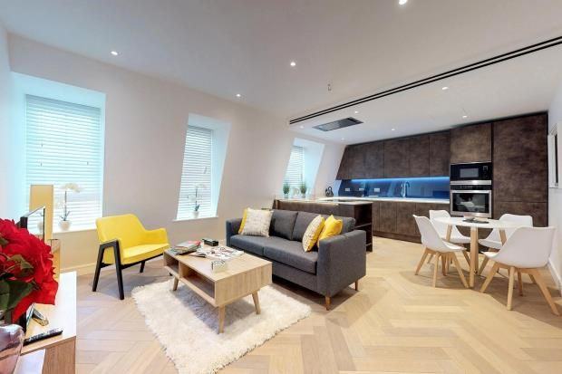 Thumbnail Flat for sale in Cambridge Court, London