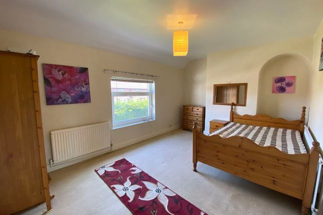 Room to rent in Central Drive, Shirebrook, Mansfield NG20