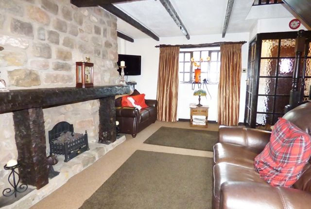 Thumbnail Cottage to rent in Halfway Cottage, Radburn Brow, Clayton-Le-Woods
