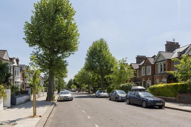 Thumbnail Flat to rent in Highlever Road, London