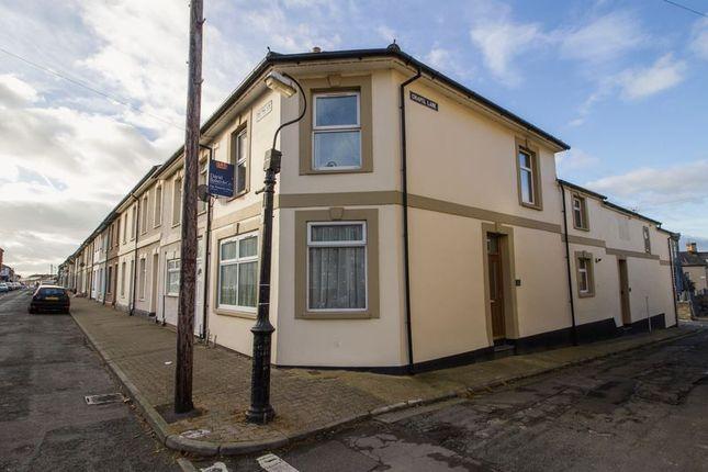 2 bed property to rent in Glebe Street, Penarth CF64