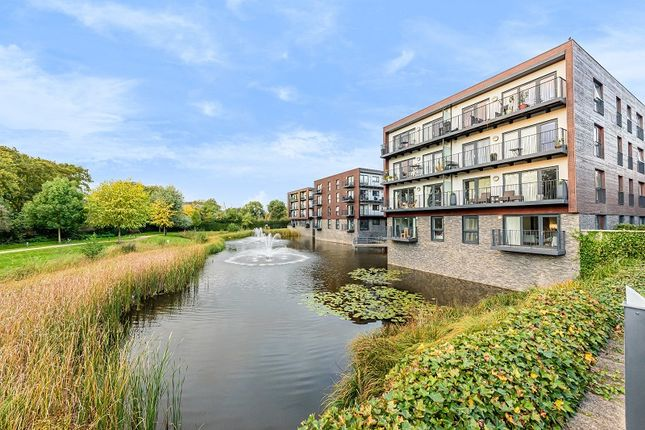 1 bed flat for sale in Victoria Court, Howard Road, Stanmore, Greater London. HA7