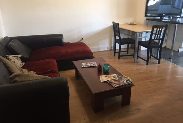 Thumbnail Terraced house to rent in Downhills Way, London