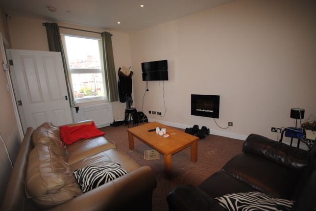 Thumbnail Terraced house to rent in Royal Park Grove, Hyde Park