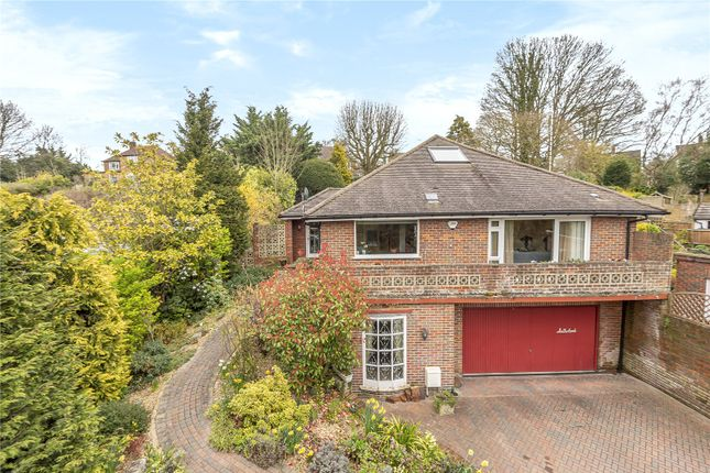 Picture No. 18 of Amersham Road, Chalfont St Peter, Buckinghamshire SL9