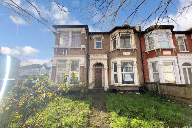 1 bed flat for sale in The Drive, Ilford IG1