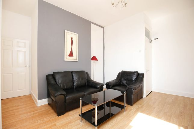 Thumbnail Flat to rent in Eastbourne Avenue, Gateshead, Tyne And Wear