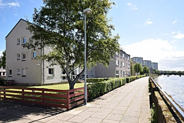 Thumbnail Flat for sale in Strathayr Place, Ayr
