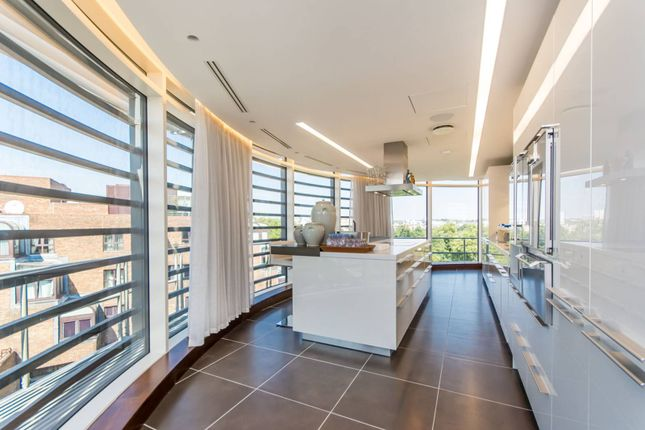 Thumbnail Flat to rent in Park Road, Regent's Park