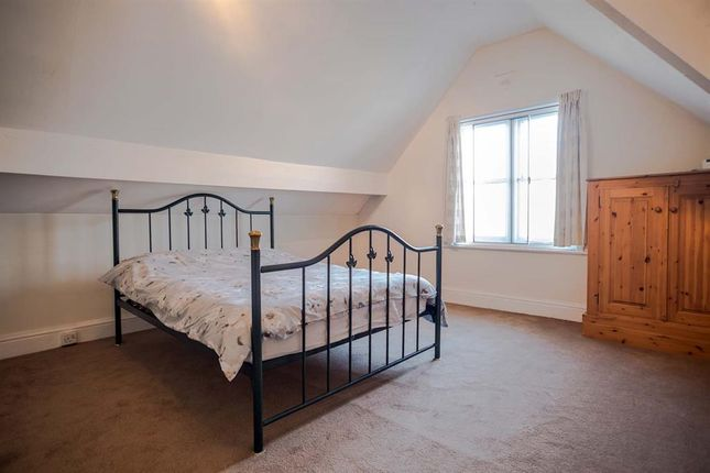 Bedroom of 5 Cecil Lodge, Spa Road, Llandrindod Wells LD1