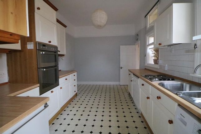 Maisonette to rent in Conway Road, Southgate