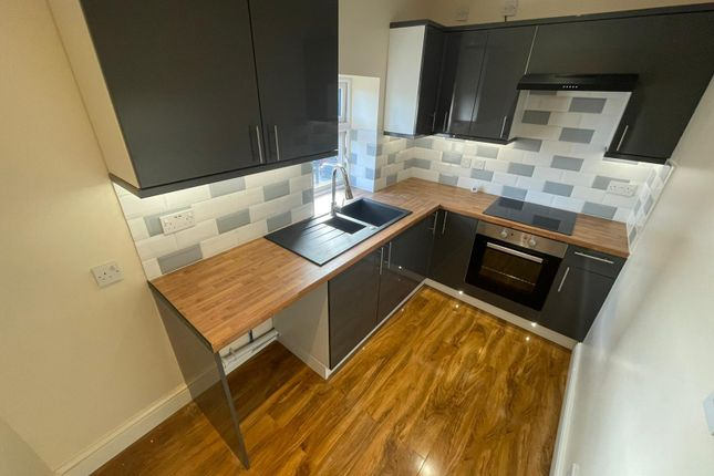 2 bed flat to rent in North Denes Road, Great Yarmouth NR30