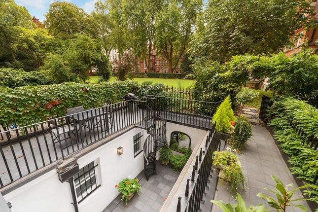 Thumbnail Maisonette for sale in Courtfield Road, London