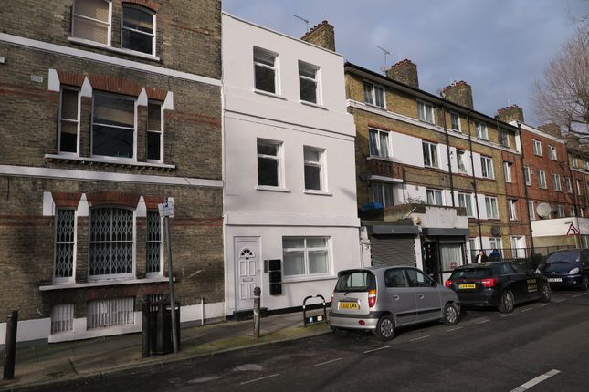 Thumbnail Flat to rent in Southwark Park Estate, Southwark Park Road, London